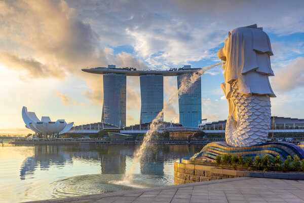 Singapore Merlion with Skyline - image by Sean Hsu/shutterstock.com