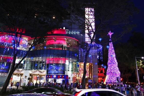 singapore shopping malls christmas decorations