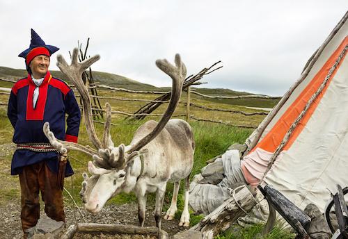 Reindeer breeder by VladaZ/shutterstock.com