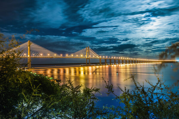 Bridge over the Paraná river between Rosario and Victoria.