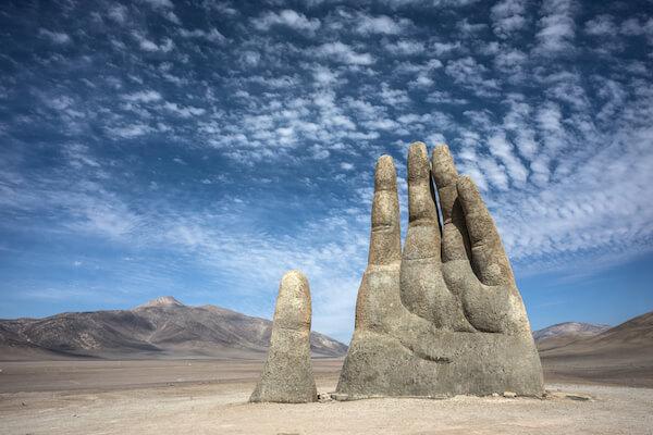 Mano del desierto - Atacama hand scupture