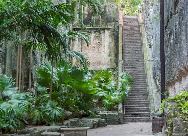 Bahamian landmark: Queen's staircase