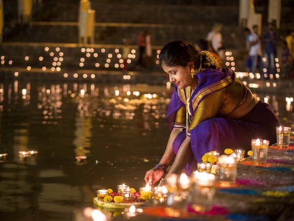 Woman decorating for Diwali in Mumbai 2018 - image by Snehan Jeevan Pailkar