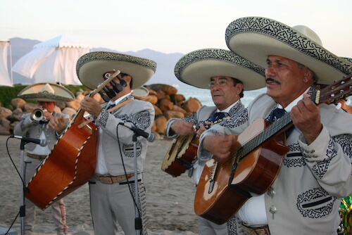 Mariachi band by Travel Bug/shutterstock.com