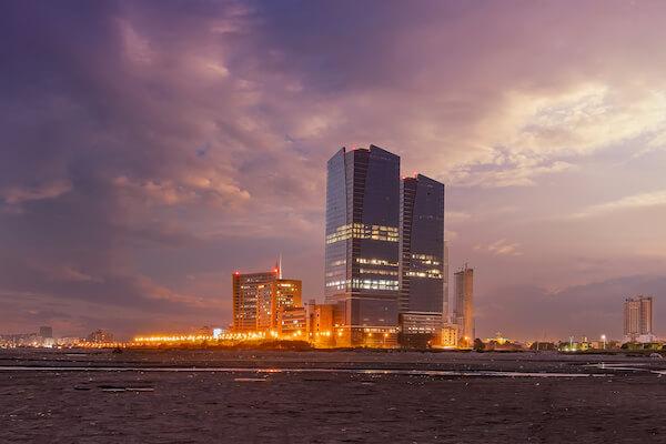 Dolmen Twin Towers in Karachi - image by HasanZaidi