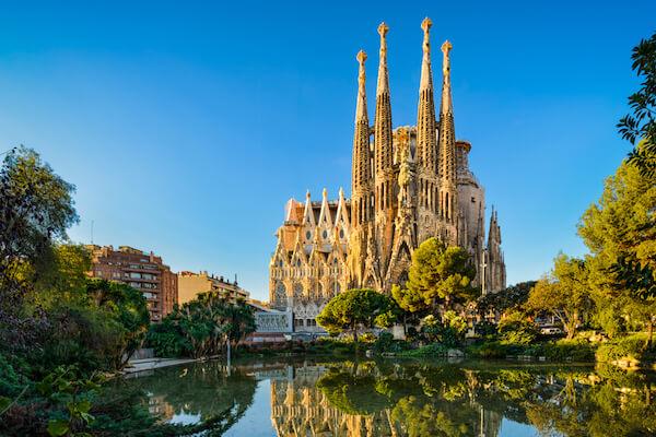 Sagrada Familia by Mapics/Shutterstock.com
