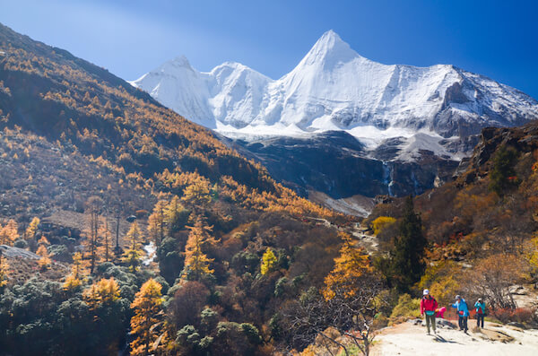 Trekking in the Sichuan mountains in China - image by Wichitra.W / Shutterstock.com