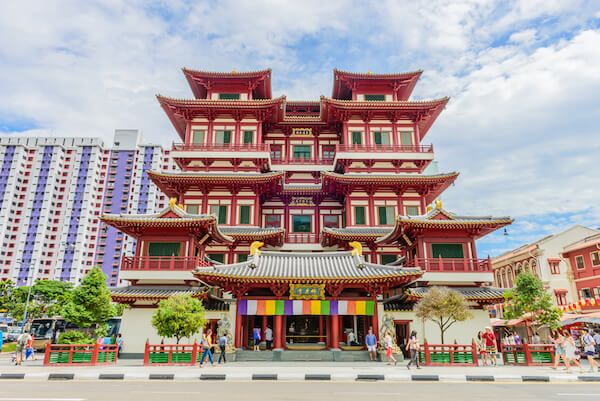 Buddha Tooth Relic Temple in Singapore's Chinatown