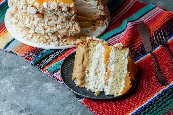 Chaiá peach cream sponge cake