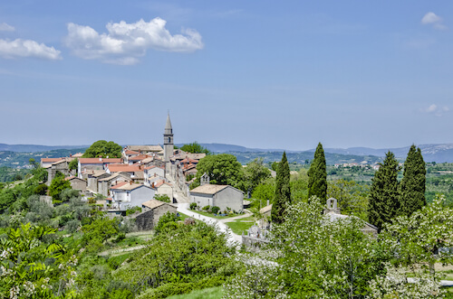 Hum in Croatia - The smallest town in the world