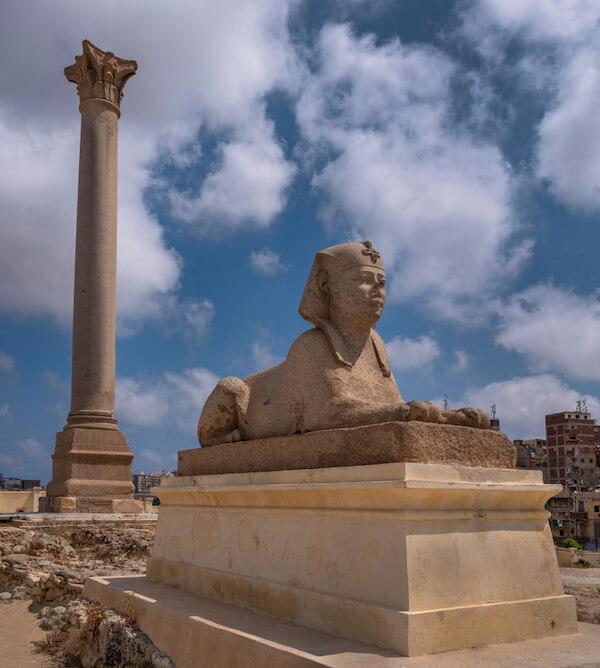 xegypt pompeyspillar sphinx 2.jpg.pagespeed.ic.MyNeDjQU8k