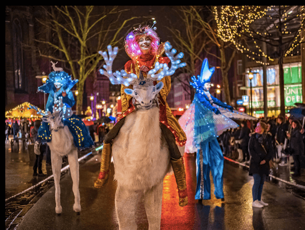 German Christmas parade in Hamburg - image by Weihnachtsparade Hamburg.de