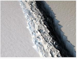 iceberg on the move - dpa