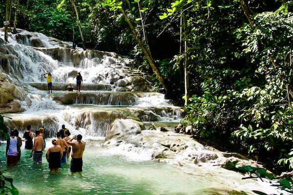 Dunn's River Falls - image: YingnaCai/shutterstock.com