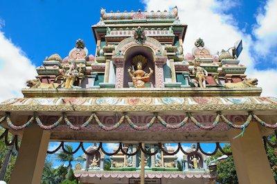 Mauritius temple by Evgenia Bolyukh/Shutterstock.com