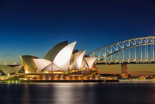 Sydney Opera House by Tooy Krub/Shutterstock