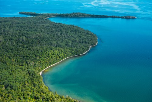 Thunder Bay/Lake Superior - image by lastdjedal/shutterstock