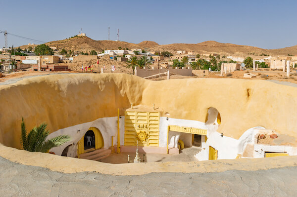 Berber cave homes in Tataouine - image by Yakub88