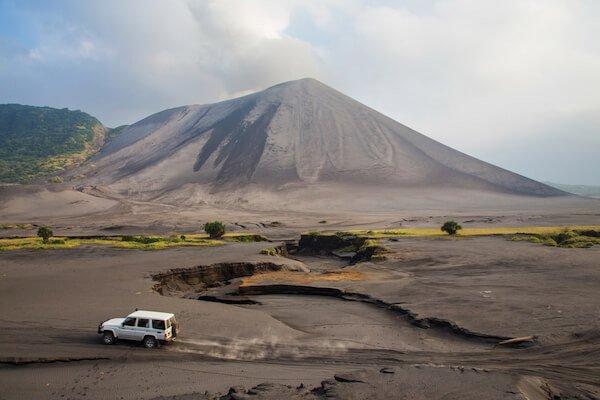 Vanuatu driving on volcano